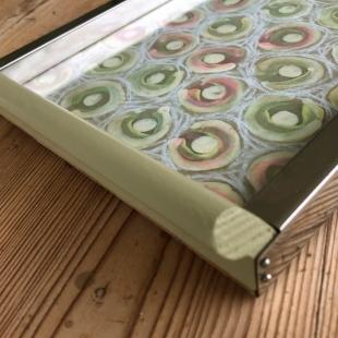 Kleines Tablett mit handgemaltem Muster - Unikat